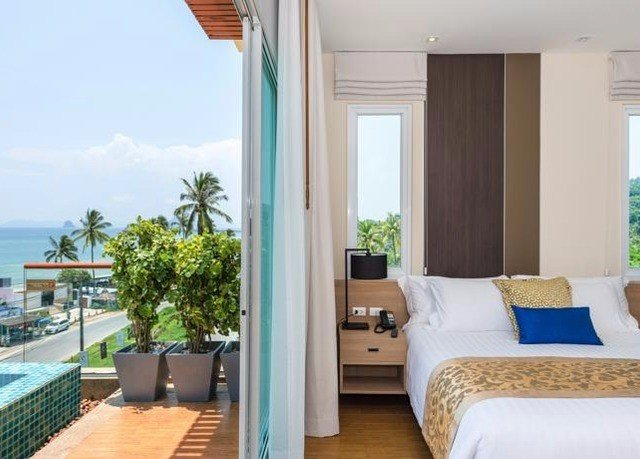 property condominium Resort Villa cottage Suite