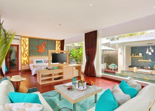 sofa property living room Villa home condominium Resort Suite cottage mansion