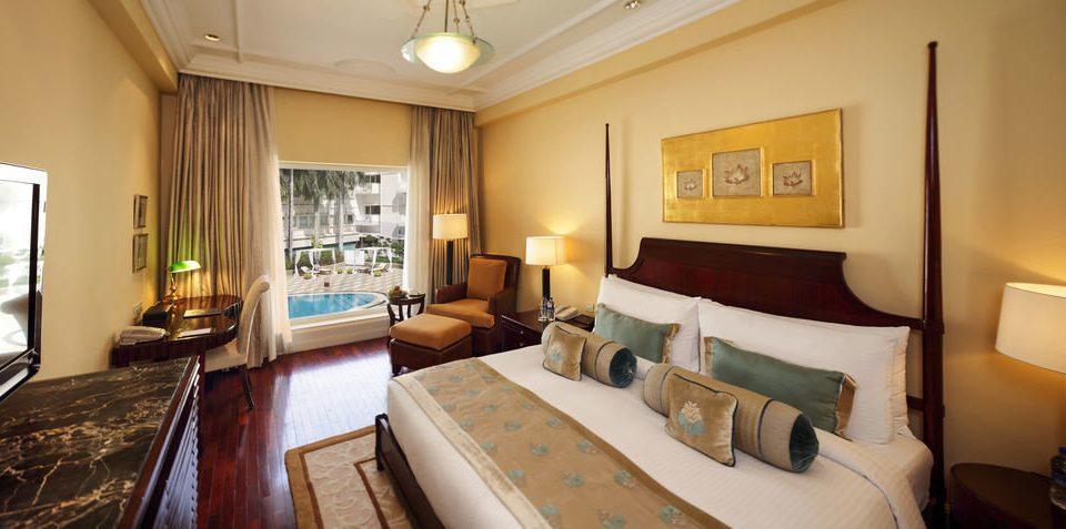 property Suite cottage Villa Resort condominium mansion living room