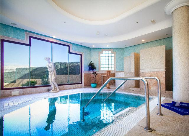 swimming pool property leisure centre condominium Resort Villa mansion Suite