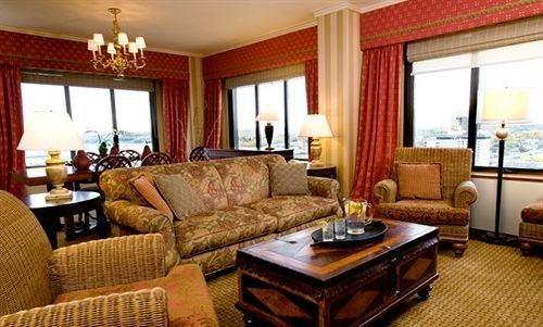 sofa property living room Suite cottage home condominium Resort Villa flat leather