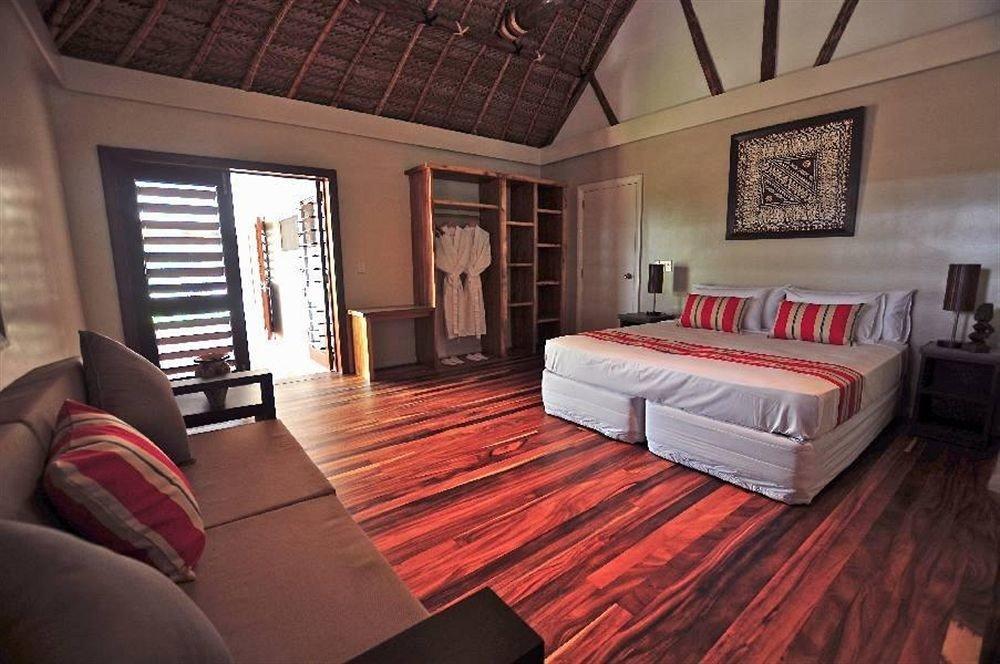 sofa property living room red hardwood Suite cottage home Resort Villa