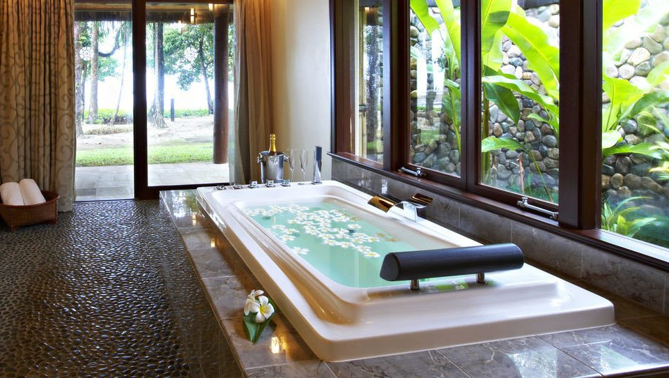 swimming pool property Resort home mansion Villa jacuzzi Suite cottage tub