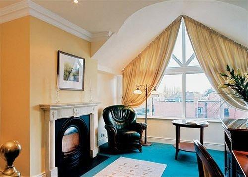 property Suite living room Resort home Villa cottage mansion dining table