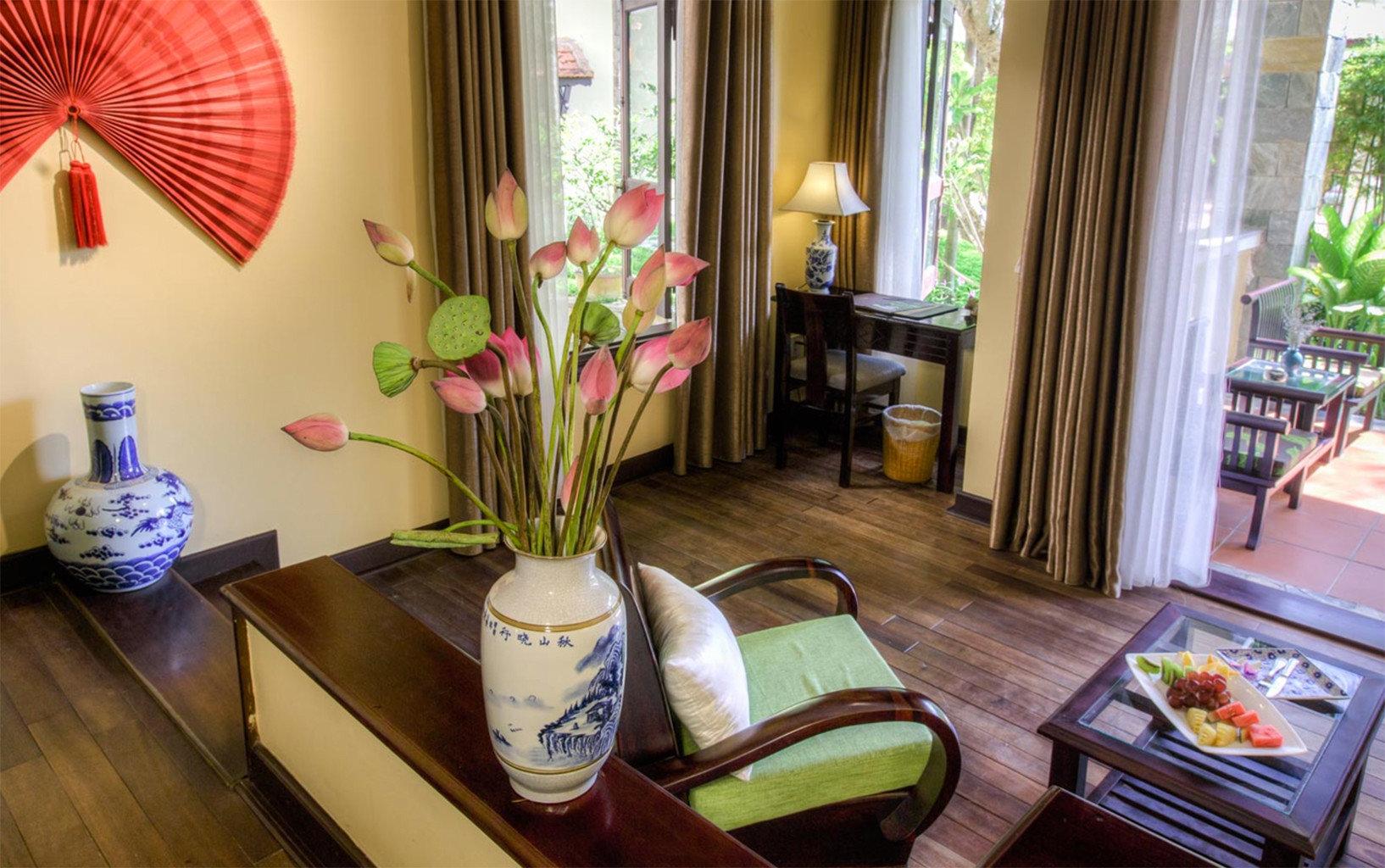 property home living room cottage Suite restaurant Villa Resort mansion