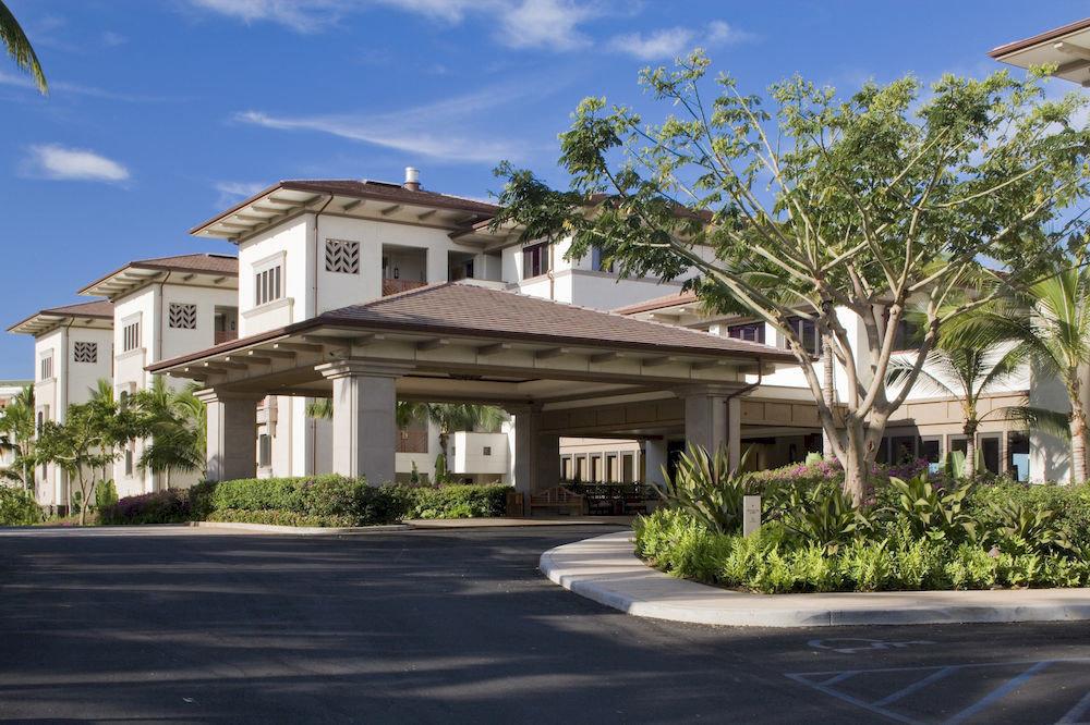 road sky building tree street house property residential area home neighbourhood condominium residential Resort Villa suburb mansion Town