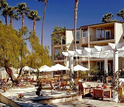 tree property Resort Town home residential area condominium marina Villa