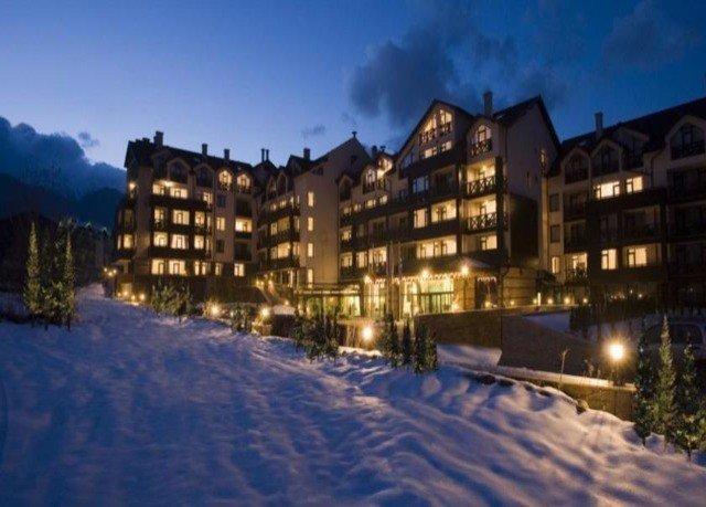 sky snow weather Town Winter building residential area Resort neighbourhood evening panorama night