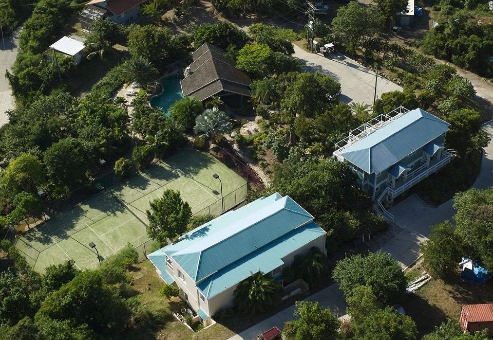 tree property residential area neighbourhood aerial photography house bird's eye view home condominium mansion suburb Villa Resort campus