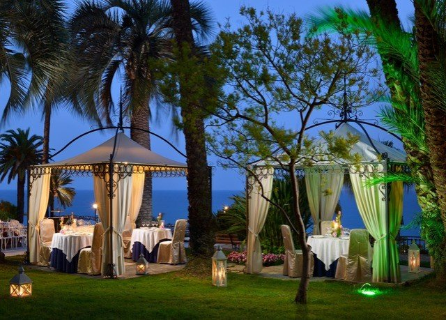 tree grass Resort arecales plant hacienda Villa palm backyard mansion arranged