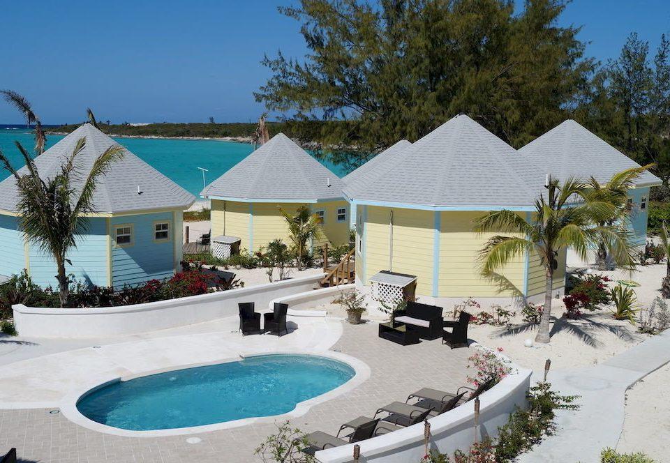 tree sky Resort swimming pool property leisure building Villa home backyard cottage bathtub