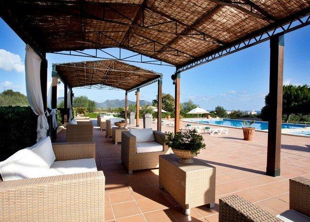 building property leisure Villa Resort swimming pool condominium outdoor structure home cottage hacienda backyard