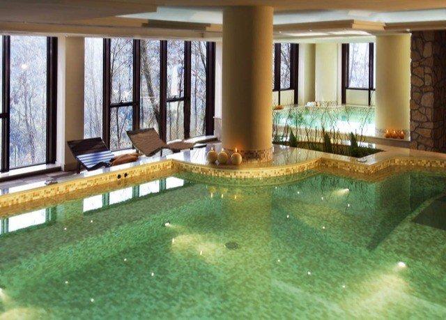 swimming pool property building condominium home mansion Villa jacuzzi Resort backyard