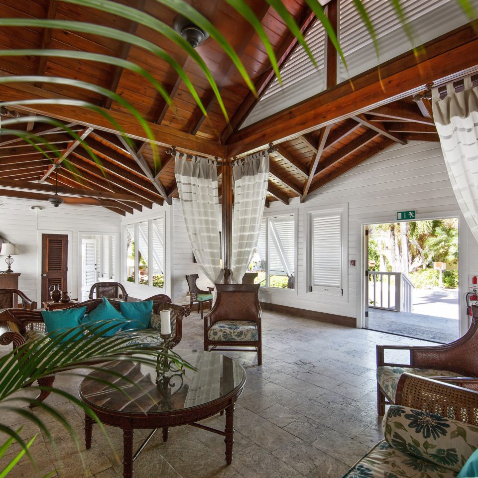 chair property Resort house Villa home hacienda cottage restaurant eco hotel farmhouse mansion backyard