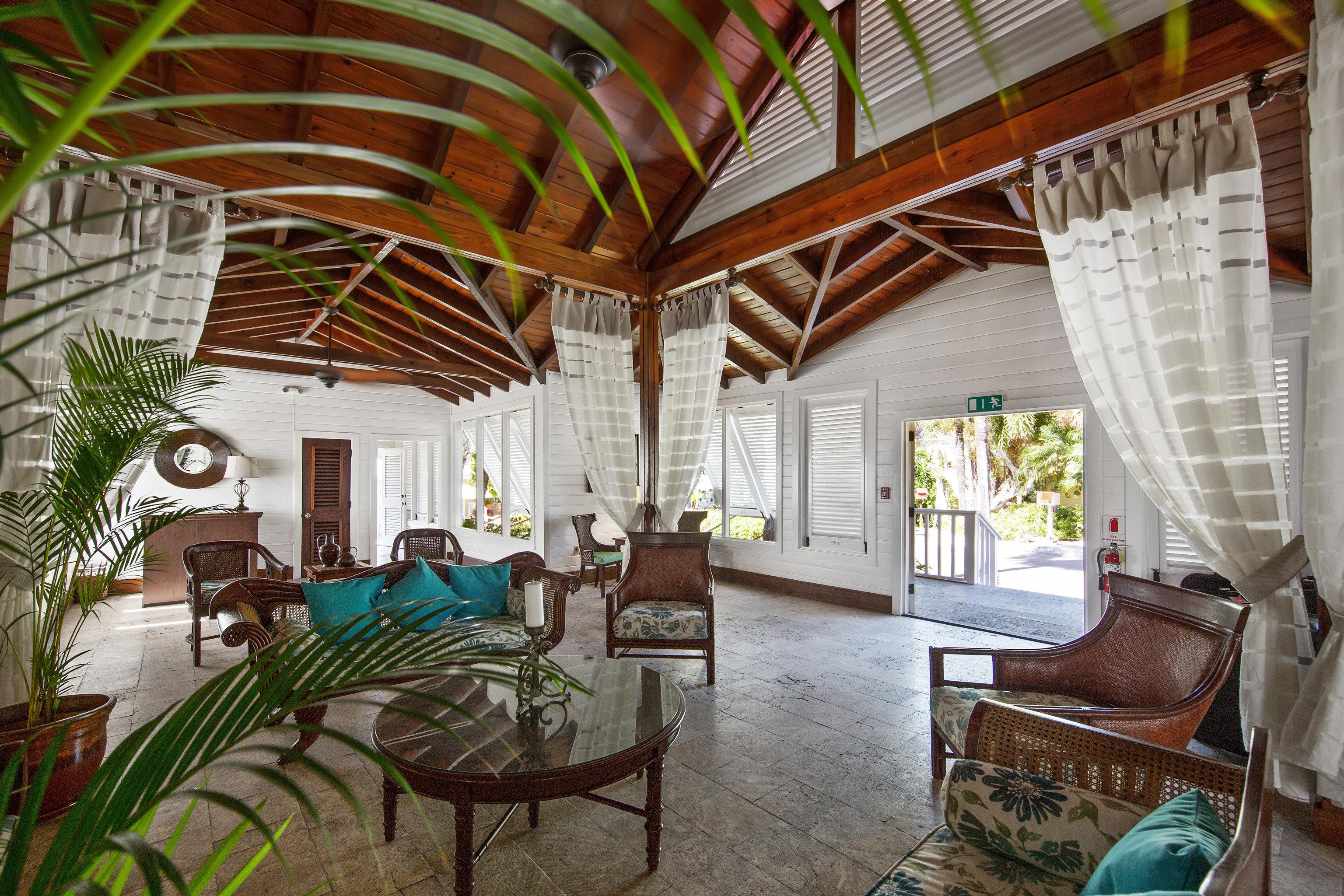 chair property Resort house Villa home hacienda cottage restaurant eco hotel farmhouse mansion backyard
