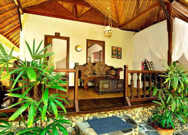 property plant Resort home Villa cottage living room eco hotel backyard condominium mansion farmhouse
