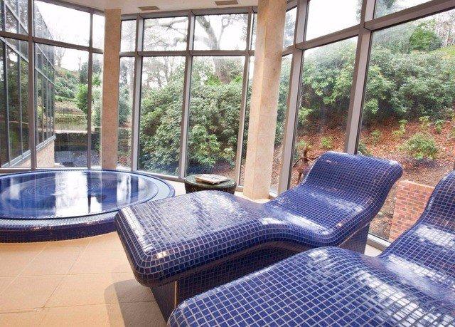 property cottage porch swimming pool condominium Villa outdoor structure Resort backyard
