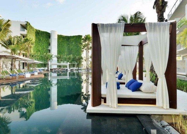 leisure property swimming pool Resort home condominium Villa mansion backyard