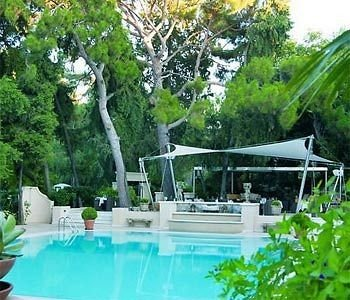tree swimming pool property backyard Villa Resort cottage landscape architect outdoor structure