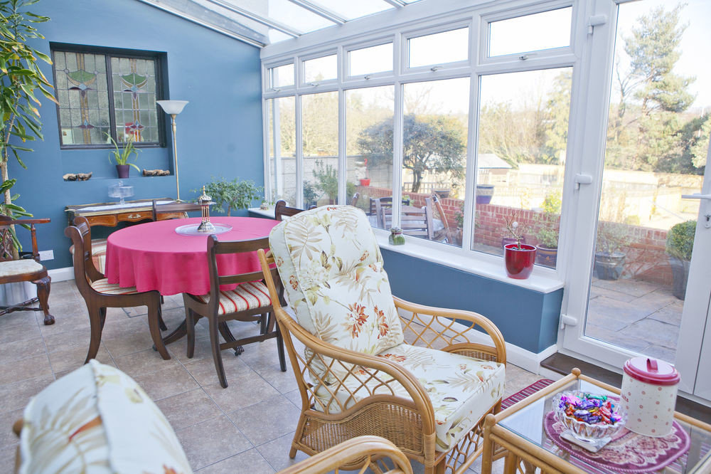 property porch home cottage outdoor structure living room Resort backyard Villa farmhouse restaurant