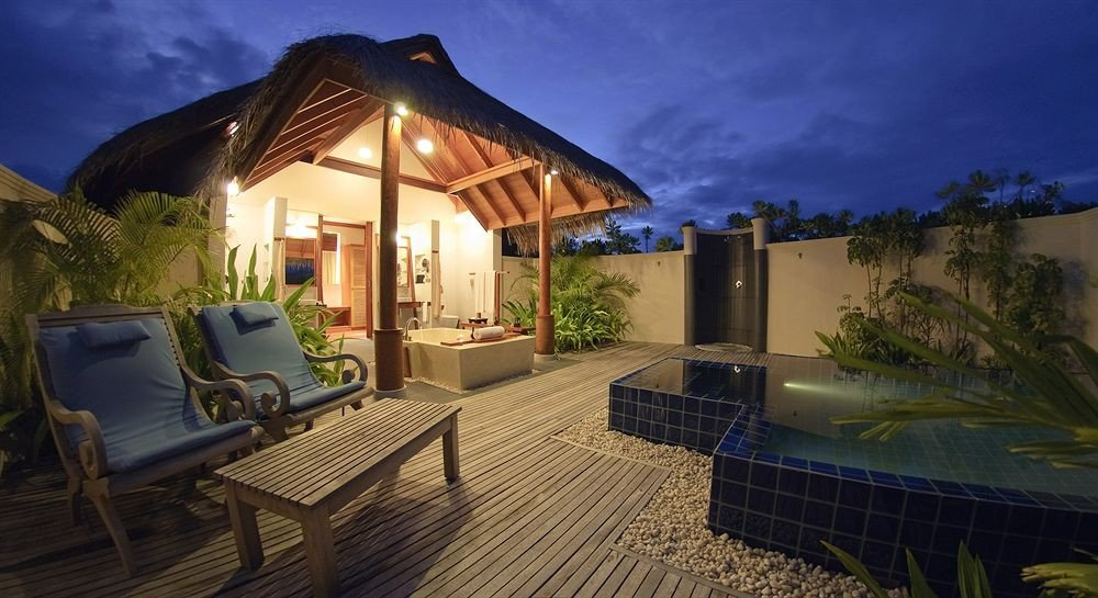 property Villa Resort house mansion swimming pool hacienda home cottage backyard eco hotel