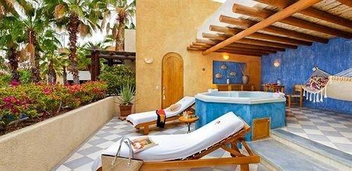 property Resort Villa cottage swimming pool hacienda eco hotel farmhouse backyard