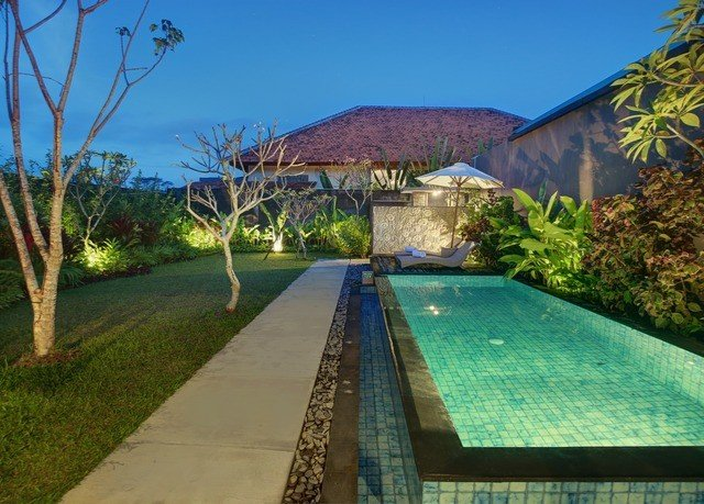 tree grass swimming pool property Resort Villa home backyard mansion cottage hacienda