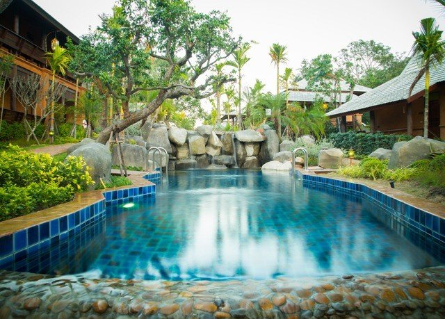 tree swimming pool property Resort backyard resort town Villa eco hotel mansion