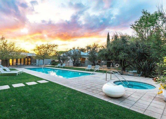 grass tree sky swimming pool property backyard lawn green Villa Resort mansion