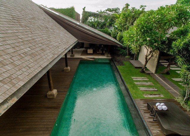 swimming pool property wooden green Resort backyard Villa roof outdoor structure