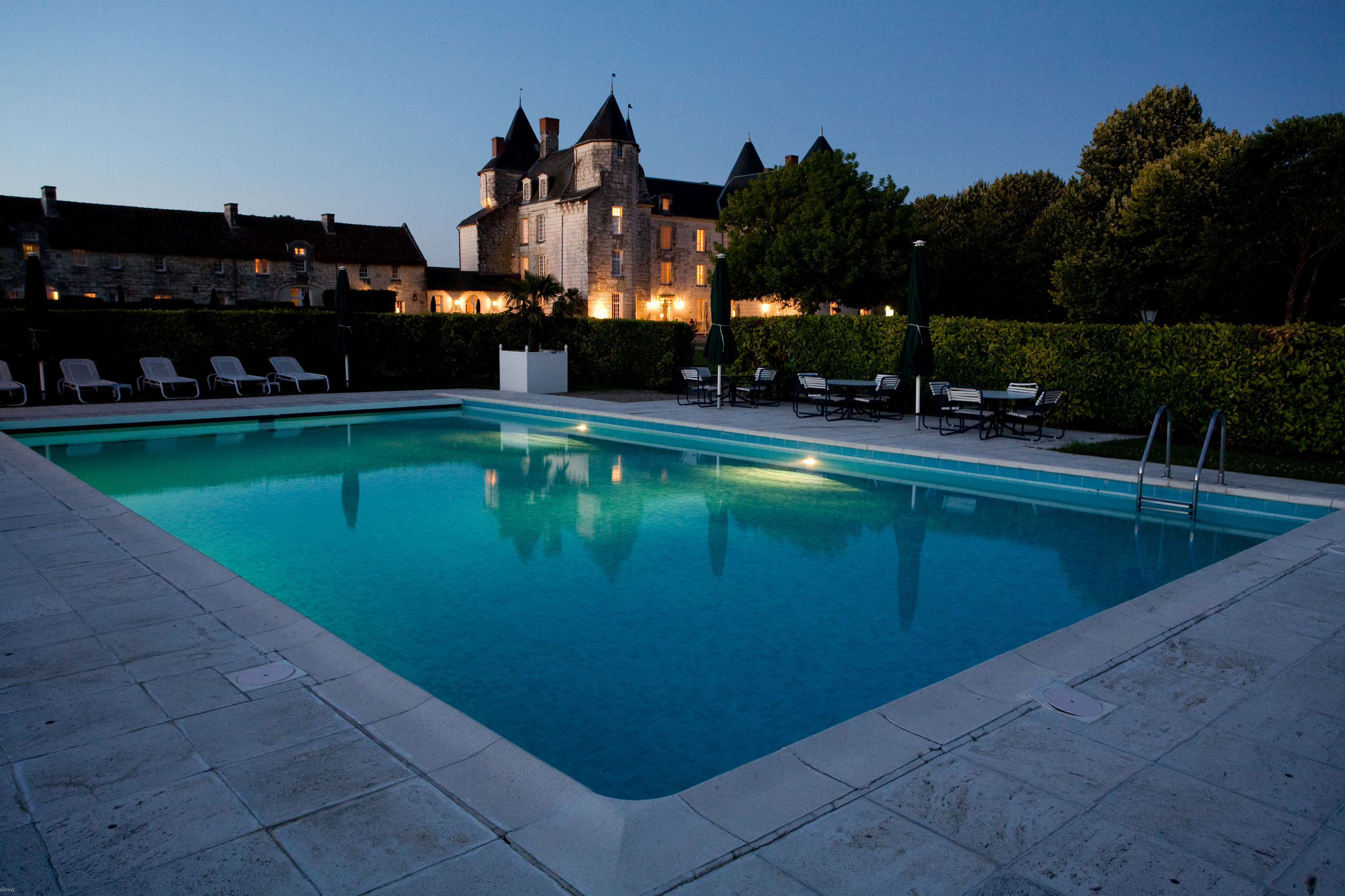 sky ground water swimming pool property leisure reflecting pool sidewalk Resort backyard Villa