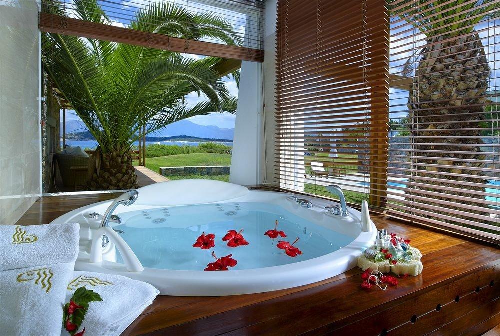 swimming pool leisure property Resort jacuzzi backyard Villa