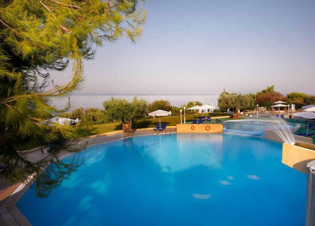 tree swimming pool property leisure Resort backyard Villa