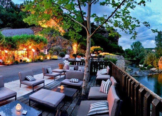 tree leisure property Resort restaurant swimming pool backyard Villa overlooking lined