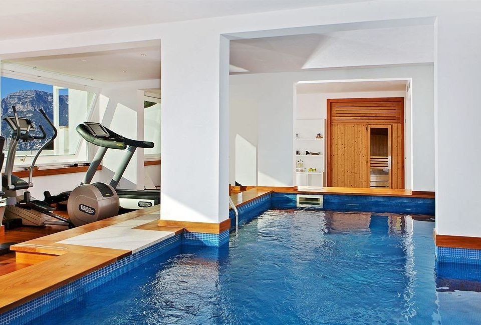 swimming pool property leisure Resort Villa condominium home blue