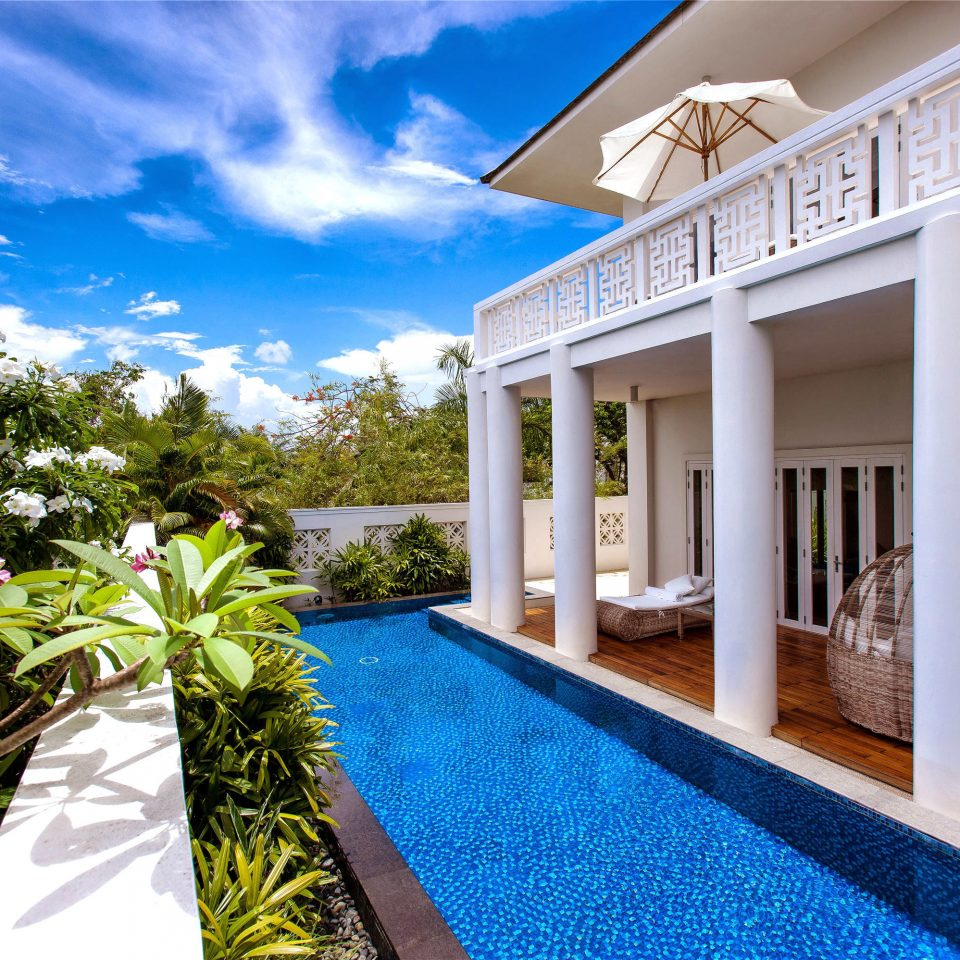 property Resort home house Villa condominium mansion residential area cottage swimming pool blue plant