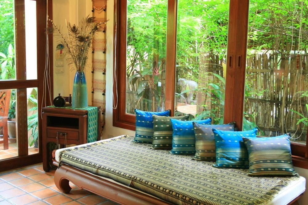 Resort cottage home porch living room mansion Villa blue