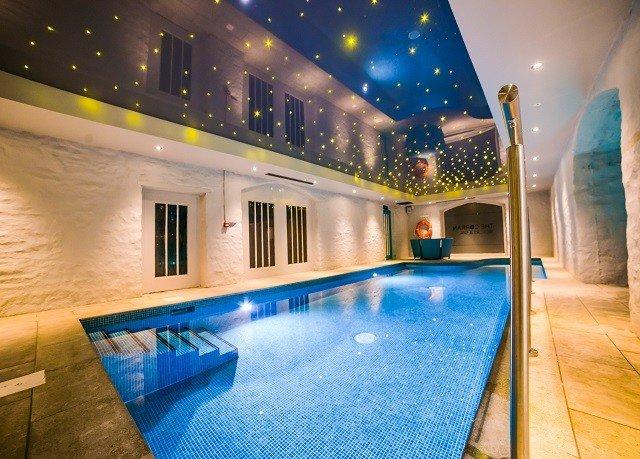 swimming pool leisure Resort Villa blue