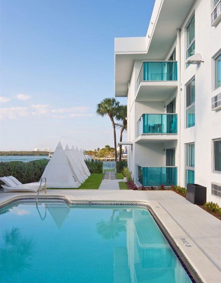 sky swimming pool property condominium leisure building Resort Villa home reflecting pool mansion