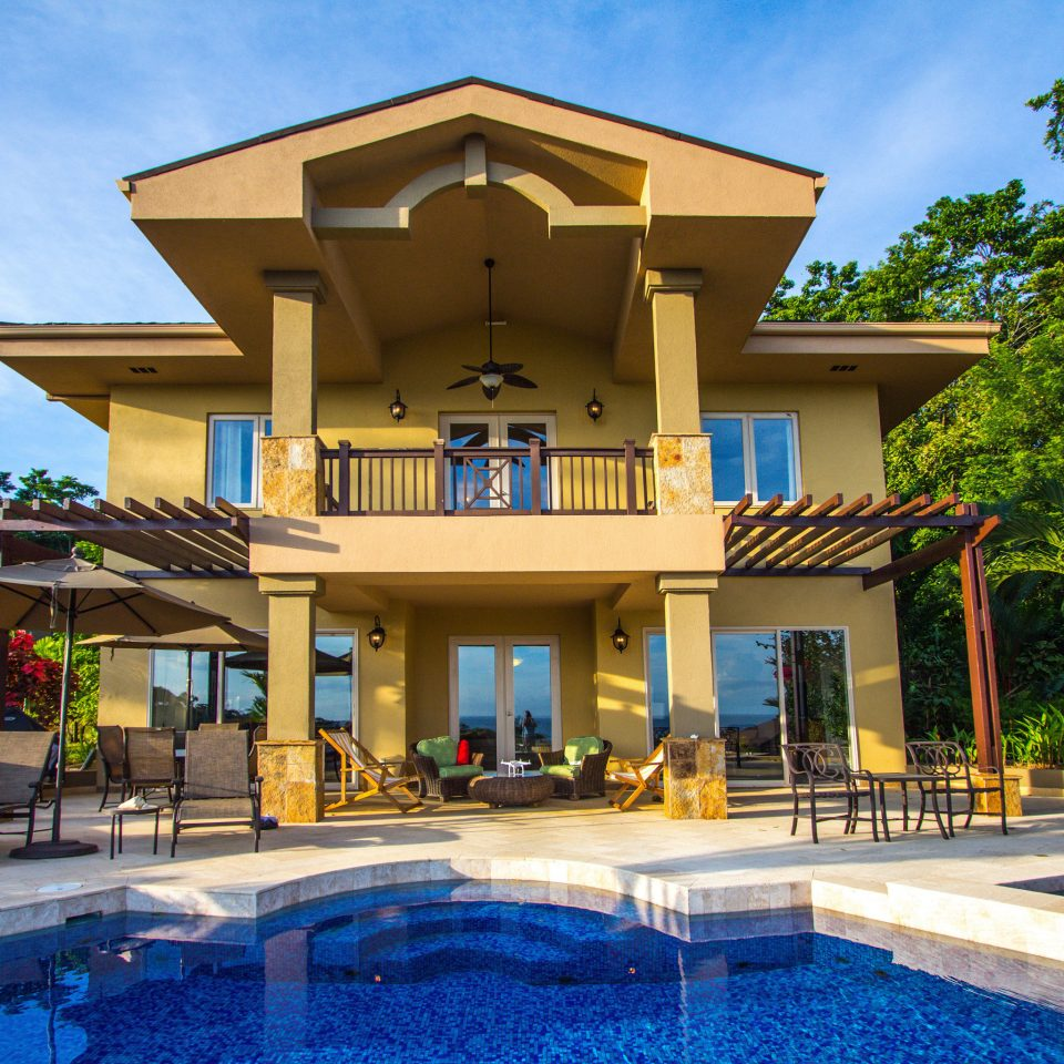 tree sky building property Resort house home condominium mansion Villa swimming pool