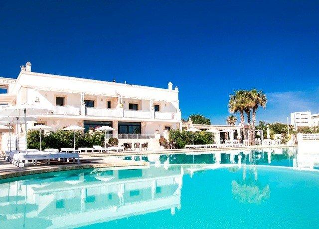 building property swimming pool Resort condominium leisure Villa home resort town mansion marina