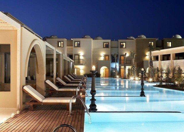 property building Resort swimming pool home Villa condominium leisure resort town hacienda mansion