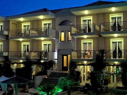 building property condominium home mansion Villa landscape lighting Resort