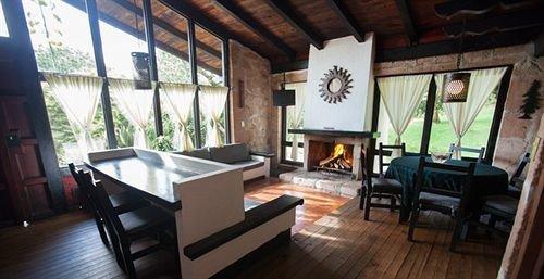 property building Villa cottage Resort farmhouse living room