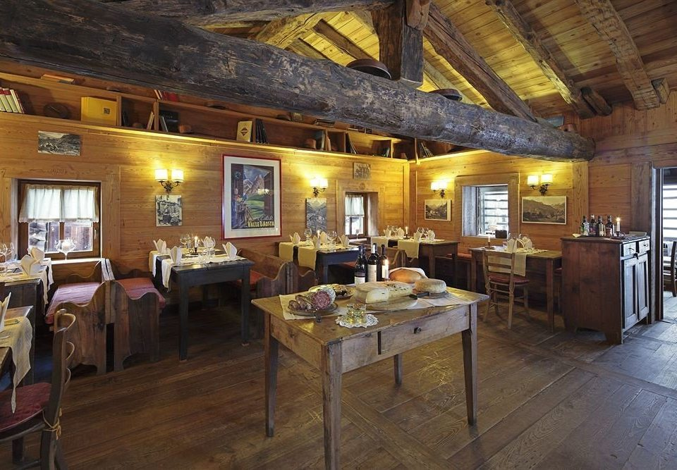 property building restaurant cottage home Resort farmhouse log cabin recreation room tavern Villa