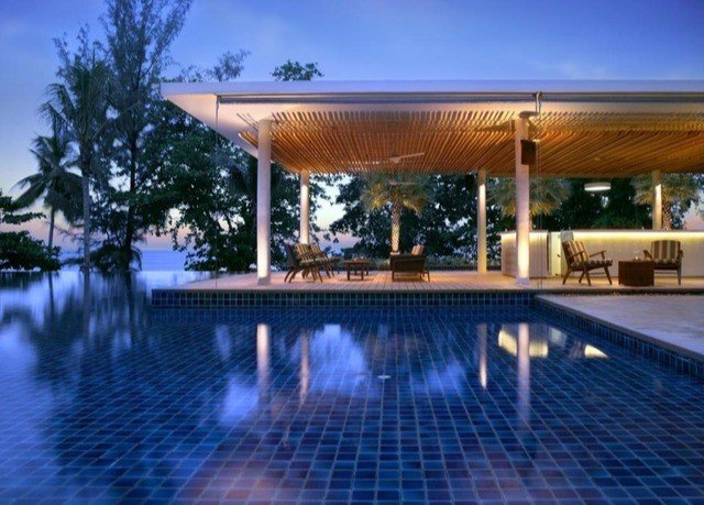 sky swimming pool building property leisure Resort reflecting pool Villa