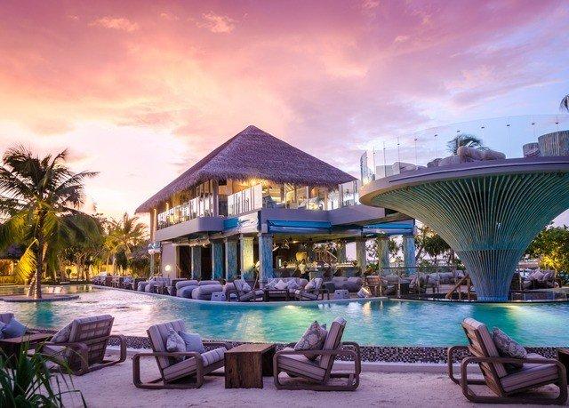 sky chair Resort property leisure swimming pool caribbean resort town Villa mansion hacienda palace set shore