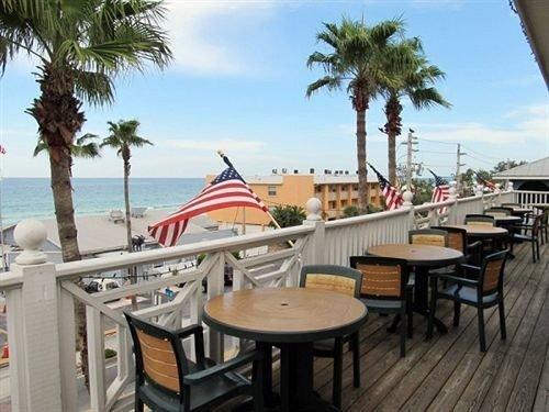 tree sky chair property Resort palm restaurant caribbean marina plant Villa