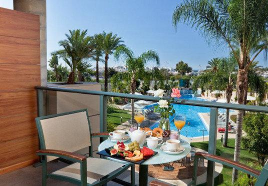 tree property condominium Resort leisure Villa home cottage caribbean swimming pool eco hotel