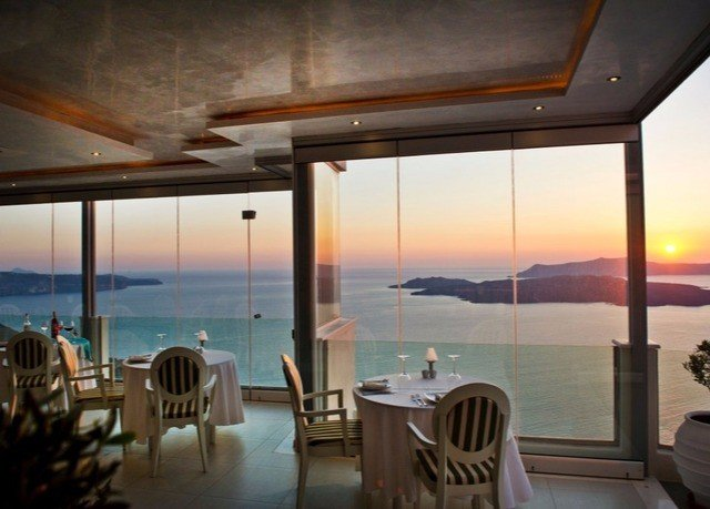 chair property Resort restaurant Villa condominium dining table